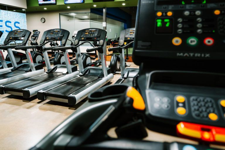 Running On A Treadmill: Reap These 10 Healthy Benefits